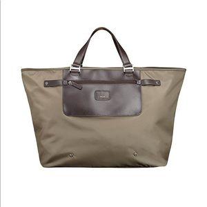 Tumi pack-a-way series travel shopper tote bag